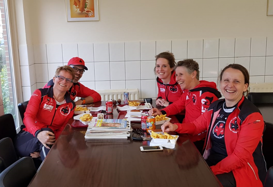 Lian, Floor, Loes en Ingrid: onze dames van het 2eDivisieteam