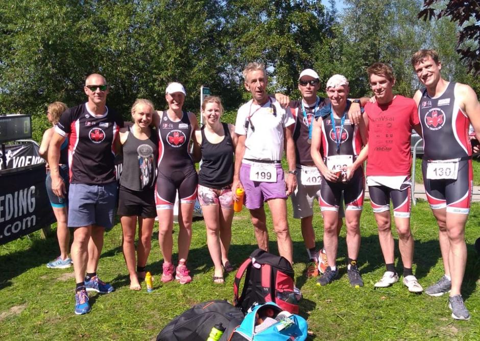 Deelnemers aan de triathlon van Stroombroek/Doetinchem