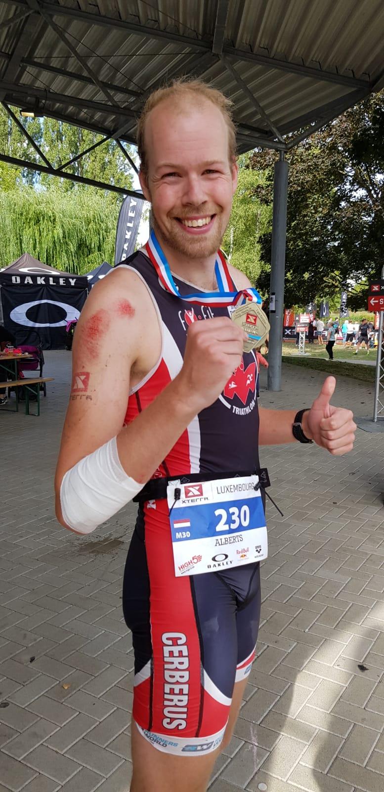 Bart Alberts: medaille èn schrammen tijdens XTerra Luxemburg